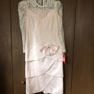 Kathy J Pink Lace Tulip Bow Fitted Formal Dress
